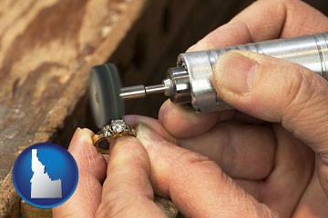 repairing and polishing a ring - with Idaho icon